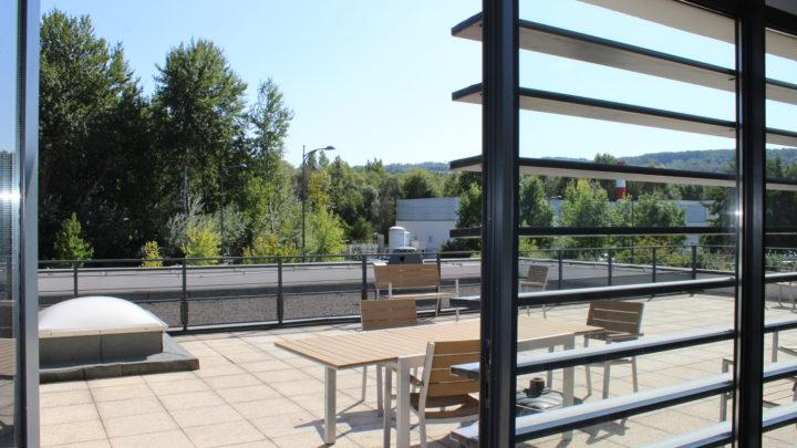 Photgraphie de la terrasse du premier étage